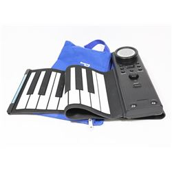 PORTABLE ROLLOUT PIANO WITH CASE