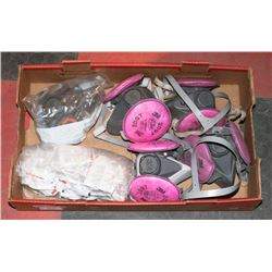 FLAT OF 3M RESPIRATOR MASKS WITH FILTERS