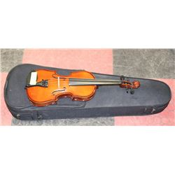 THE SENTOR STUDENT VIOLIN WITH HARD CASE - NO BOW.