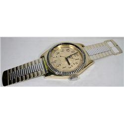 DORBON QUARTZ WALL HANGING WRIST WATCH CLOCK WORKS