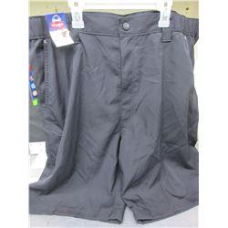 Men's Wrangler Shorts size 40 / also has zippered pocket on right leg