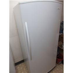 White Woods Refrigerator works excellent / NO SHIPPING