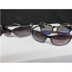 3 Assorted Women's Sunglasses / 2 Foster Grants & 1 Panama Jacks/60.00