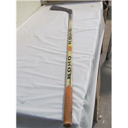 HOCKEY STICK (SIGNED KEVIN KAMINSKI 1992-93)
