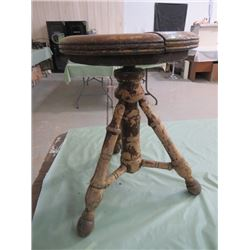 OLD PIANO\ORGAN STOOL (SEAT CRACKED)