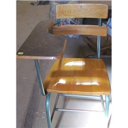 CHILDRENS SCHOOL DESK (VINTAGE)