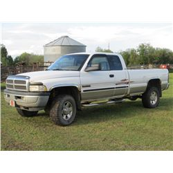 2000 DODGE 2500 - 3/4 TON EXTENDED CAB TRUCK