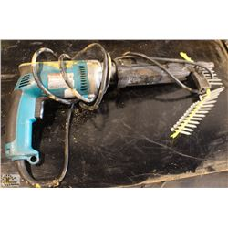 MAKITA SCREWDRIVER WITH QUIK DRIVE PRO