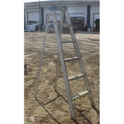 6 FOOT LITE ALUMINUM STEP LADDER