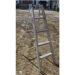 5 FOOT LITE ALUMINUM STEP LADDER