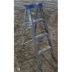 4 FOOT LITE ALUMINUM STEP LADDER