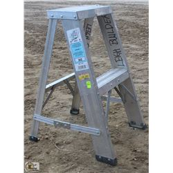 2 FOOT BON ALUMINUM STEP LADDER