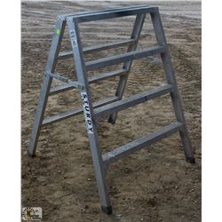 4 FOOT STURDY SAWHORSE/LADDER