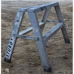 2 FOOT STURDY SAWHORSE/LADDER