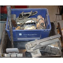 CRATE OF ASSORTED FLOORING TOOLS