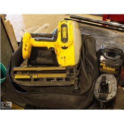 DEWALT 18V FINISHING NAILER