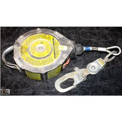 MSA DYNA-LOCK SELF RETRACTING LANYARDS
