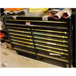 CLARKE HD PLUS 13 DRAWER TOOL BOX ON CASTORS
