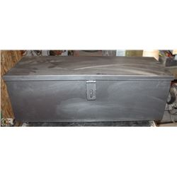 BLACK LOCKABLE TOOL BOX