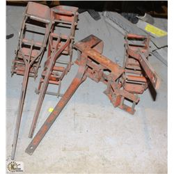LOT OF 4 WALL JACKS