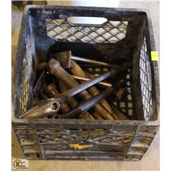 TOTE OF ASSORTED KLEIN METAL SPUDS & 2 CRESCENT