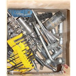 LOT OF ASSORTED METRIC & SAE WRENCHES,