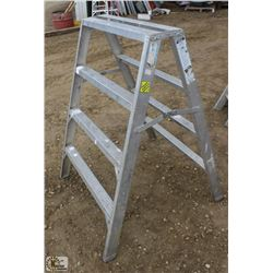 4 FOOT ALUMINUM STURDY STEP LADDER