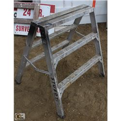 3 FOOT ALUMINUM STURDY STEP LADDER