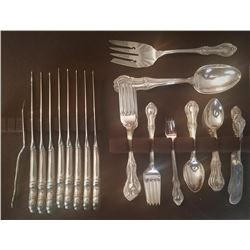 19GFE-103 LAMBETH MANOR FLATWARE SET