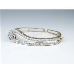 19CAI-2 HEIRLOOM DIAMOND BANGLE BRACELET