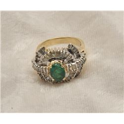 19RPS-51 EMERALD  DIAMOND RING