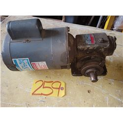 Motor 1/2HP 230v 1phwith Reducer radio 36:1