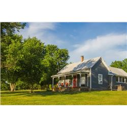 Missouri Black River Farmhouse Vacation Rental