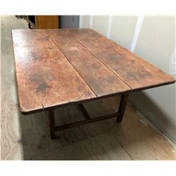 "ANTIQUE QUEBEC PINE WITH REDDISH FINISH COFFEE TABLE - 38"" L x 23"" W"