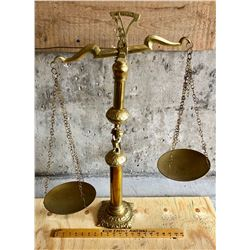 BRASS ORNATE WEIGHING BALANCE
