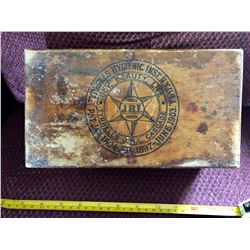 1903 TYRELLS HYGIENIC COLON ENEMA WOOD BOX