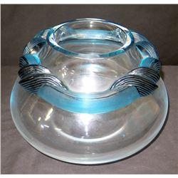 Round Fishbowl Vase w/ Blue Wreath Accent