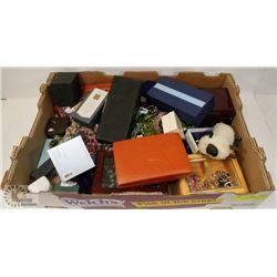 FLAT OF JEWELRY BOXES & JEWELRY.