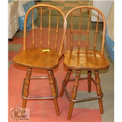 LOT OF 2 SWIVEL STOOLS WITH BACKS. SOLID WOOD.