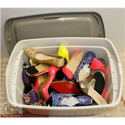 TOTE OF NEW WOMENS SHOES