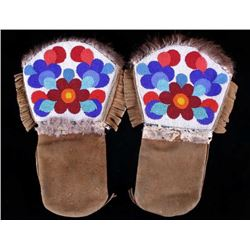 Montana Crow Beaded Gauntlet Mittens Mid-20th