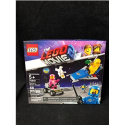 "LEGO Movie 2 70841 -- Benny's Space Squad - ""Spaceship"""