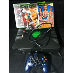 XBOX VIDEO GAME SYSTEM  W/ CONTROLLER & GAMES