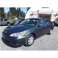 A12 --  2002 TOYOTA CAMRY , Green , 320882  KM's