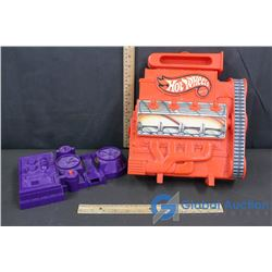Hot Wheels Carrying Case (7 cars inside) and Take-off Station