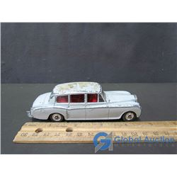 Dinky Toys - Rolls Royce Phantom V Car
