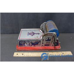 Tin Mark Toy Drawing and Writing Paper Feeder