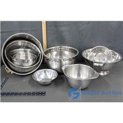 Variety of Metal Mixing Bowls & (2) Strainers