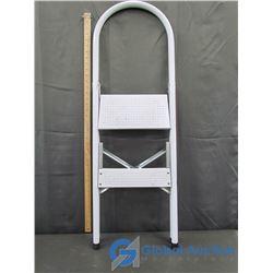 2-Step Step Ladder