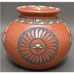SANTA CLARA INDIAN POTTERY JAR (MINNIE VIGIL )